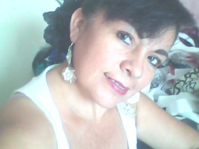 Mujer busca hombre hotmail